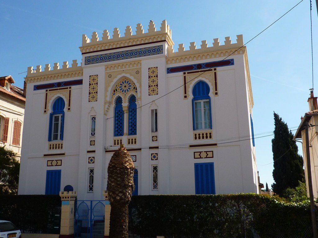 Gc4cgxz la villa tunisienne traditional cache in for Architecture tunisienne maison