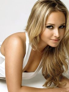 private category hayden panettiere img 1 - Coloration Meche Blonde